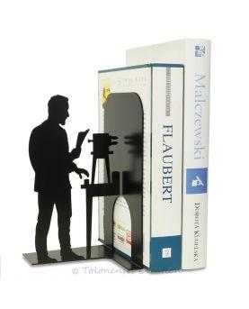 Vue rapprochée de l'horloge orientale Arabesque sur le thème des arts islamiques. Diamètre 40 cm