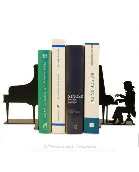 Le modèle original de l'horloge Design Morpion en couleur vert. Dimensions 40 cm. Acier découpé laser