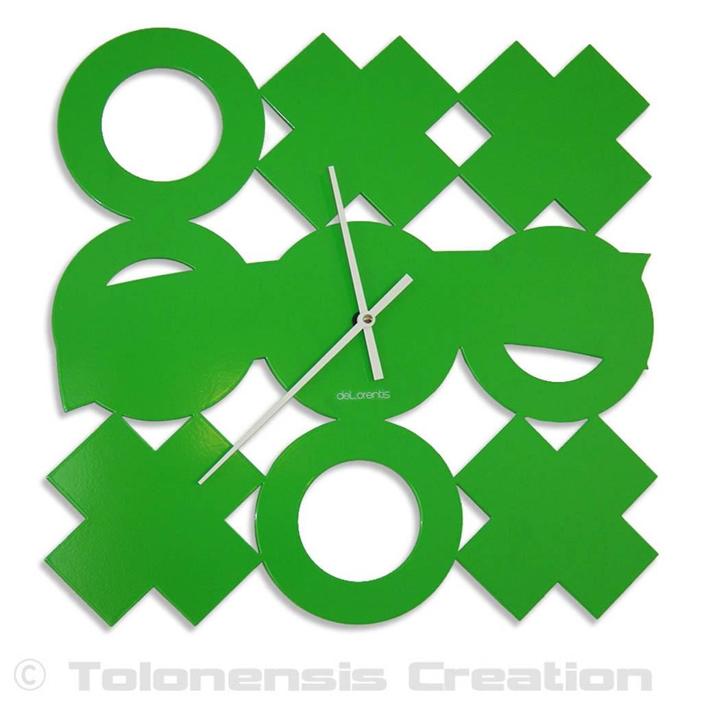 Green clock Tic-Tac-Toe. Height 40 cm