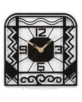 Vue rapprochée de l'ornement mural Birdy sur le thème des oiseaux. Largeur 90 cm
