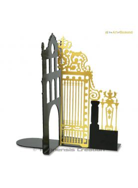 Bookend the Royal Gate Gold right side.Height 19 cm