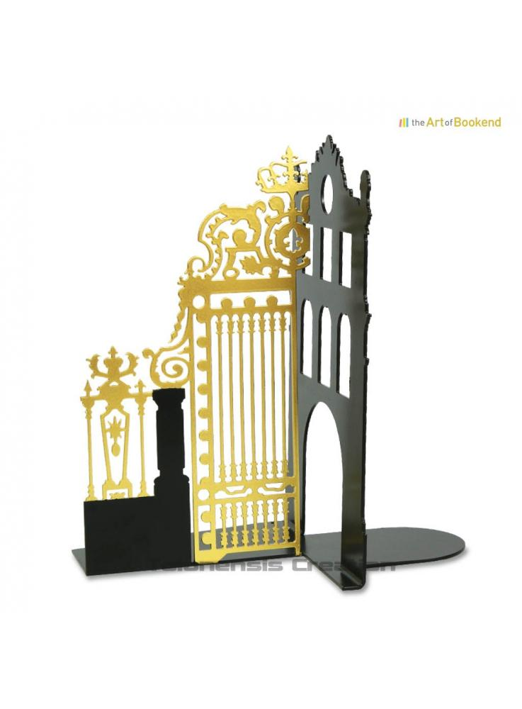 Bookend the Royal Gate Gold left of the Palace of Versailles model left. Colour black/gold. Height 19 cm