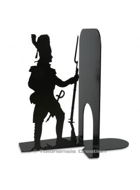 Bookend Grognard on the theme of the soldiers of the great army of Napoleon. A metal laser cut creation. Height 19 cm