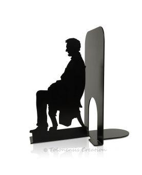Serre-livres Pierre Curie au travail devant son électroscope. Hauteur 19 cm