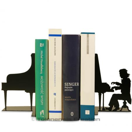 The set of bookends Ludwig van Beethoven on his piano