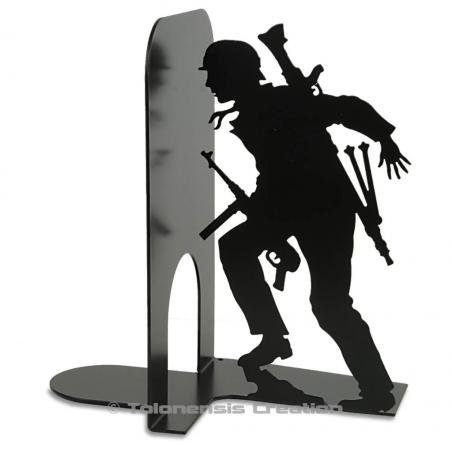 Bookend the Insurgents of the Warsaw uprising