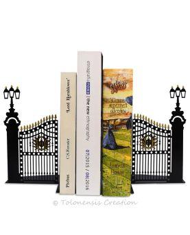 Le serre-livres la Juive aux oranges d'après un tableau de Aleksander Gierymski. Hauteur 19 cm