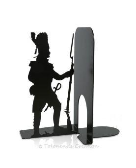 Vue rapprochée de l'horloge Art Nouveau. Diamètre 40 cm