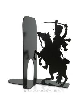 La superbe horloge Belle Epoque d'un diamètre de  40 cm est réalisée en métal par découpe laser