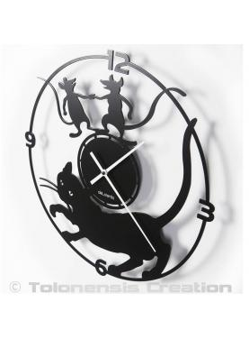 Cat wall clock. Diameter 40 cm